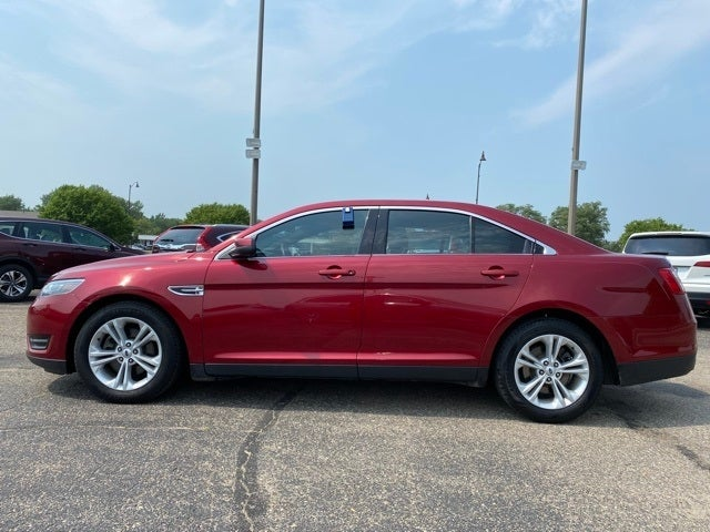 Used 2016 Ford Taurus SEL with VIN 1FAHP2E85GG147415 for sale in Albert Lea, Minnesota